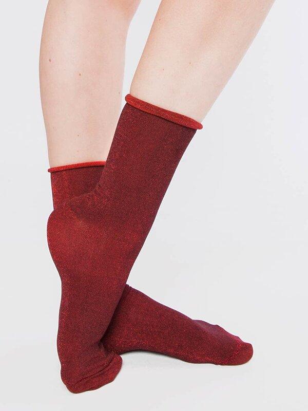 MARK FORMELLE Женские носки 115662 238K-1011 красный люрекс оптом от Engros